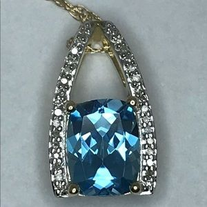 Topaz & diamond 10kt gold pendant with 18 in chain